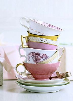 Must-have: Vintage Spotting: Eclectic Teacups | The Luxury Spot