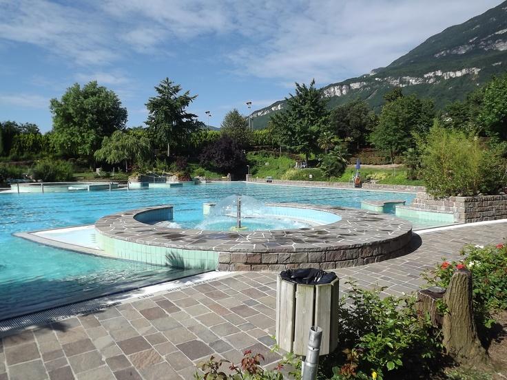 Outdoor swimming pool with nature as a backdrop : Tramin/Termeno sulla strada del Vino - Sudtirolo (Italy)