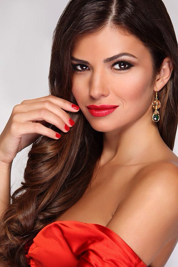 Photo: © Stanislava H. Hricova Beauty editorial Make up Hair Jewelery by Anais