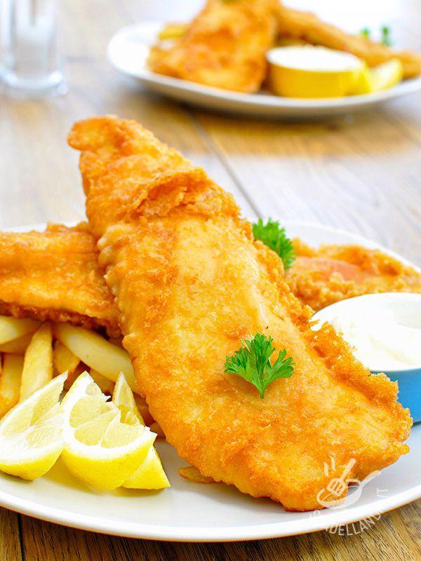 Fish and chips - Il Fish and chips è un must per veri ghiottoni, una di quelle pietanze che fa impazzire grandi e bambini. Un classico velocissimo e sempre valido!