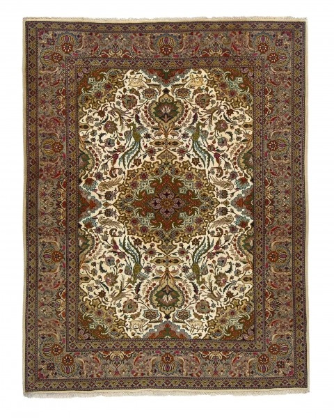 Since the 17th century, Tabriz belongs to the most important production centres of the Orient, both in terms of quality and of quantity. Since ages, …