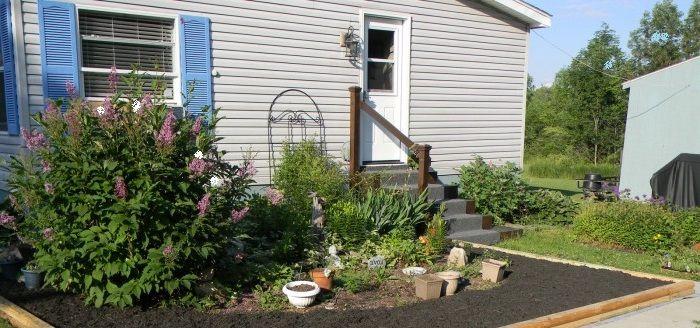 Landscape Design Around Mobile Home