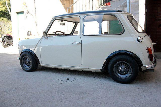 white, low mini