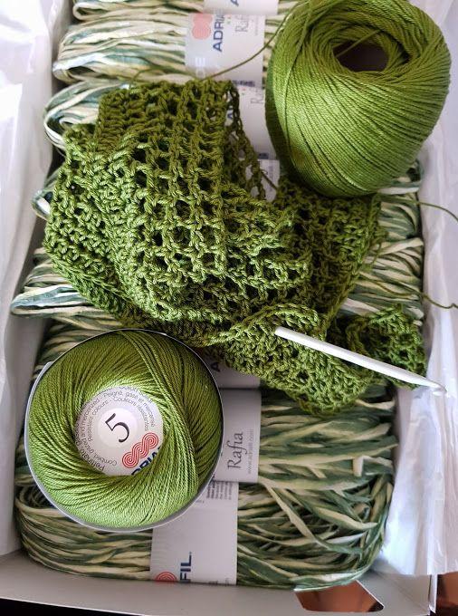 Het groen van de lente, het groen van de natuur met al zijn kleuren ! Welke kleur ben jij vandaag ? #puuregyptischkatoen #UnoARitorto http://bit.ly/AdriafilUnoARitorto_nl #Rafia #vegetaalpapier http://bit.ly/AdriafilrafiaNl Pic by  Marinella Liberini