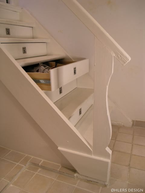 drawers built into stair treads - This makes such wonderful sense!