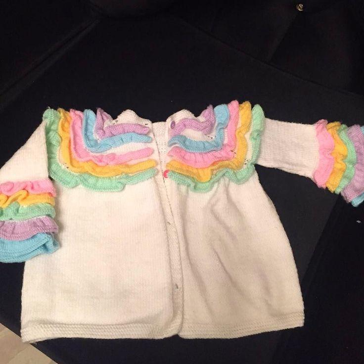 farkli orguler sevenler icin  firfirli bebek ceketimiz  Siparis alinir iletisim icin DM  #crochet #petekörgü #dubai #istanbul #türkiye #colorfull #crochetlove #crochetblanket #babyblanket #bebekbattaniyesi #knitting #örgübattaniye #örgü #tığişi #handmade #elemeği #supla #erciyes #knittingblanket #rainbowblanket#rainbow #colorfull #crochetblanket #blanket#rainbowblanket#kahvesunum#kahvebahane#kahve by orgulandkayseri