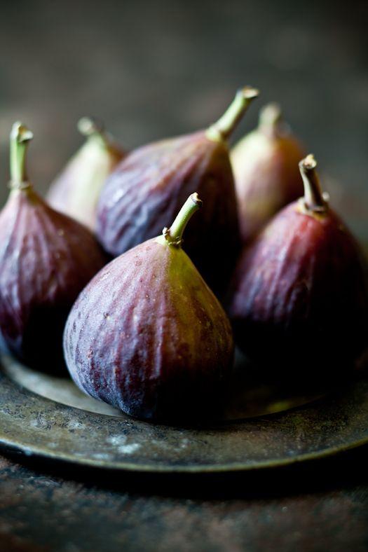 Fresh figs: great source of fiber, potassium, calcium, & manganese