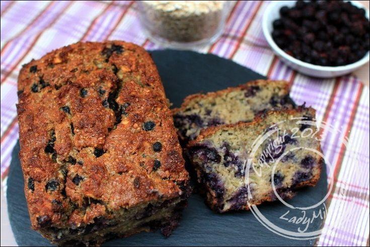 C'est parti pour une nouvelle recette de cake healthy absolument parfaite pour le petit-déjeuner ! Les flocons d'avoine, associés aux fibres des pommes, sauront vous rassasier pour la matinée. Le m…
