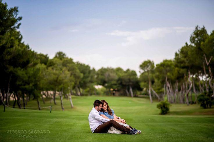 Prueba tu #peinado de #boda en la #preboda fotos de #preboda #geniales #ideas para fotos de #preboda preboda en campo de golf