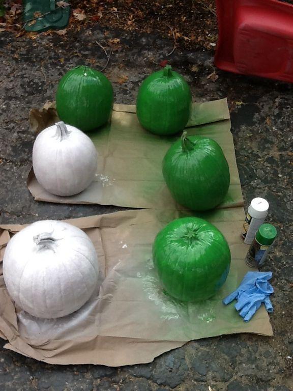 The birth of two chalkboard pumpkins, and four Ninja Turtle pumpkins!  La naissance de deux citrouilles tableau, et quatre tortues Ninja citrouilles! Kh