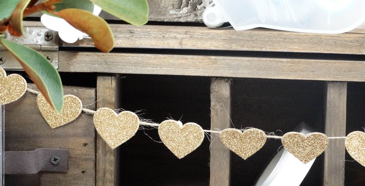We used our DIYI Invitation Seals to create this cute bunting.  Gold is such a 2014 trend, we love it!