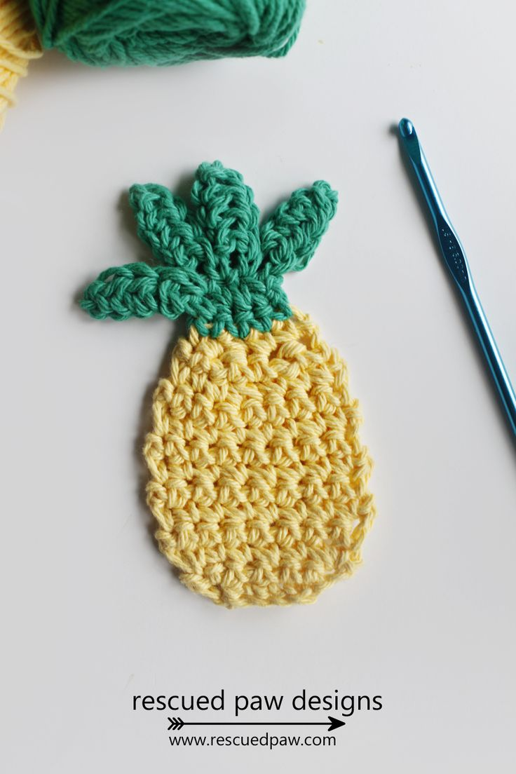 I was inspired to make this crochet pineapple applique after seeing Lemon & Dot's Pineapple Project Bag on Etsy.       Doesn't this tote & little pineapple applique scream summer?   I always have my project bag by my side. For example at the pool, in the car and next to me on the couch watching Netflix on my ROKU! I am also planning on taking it