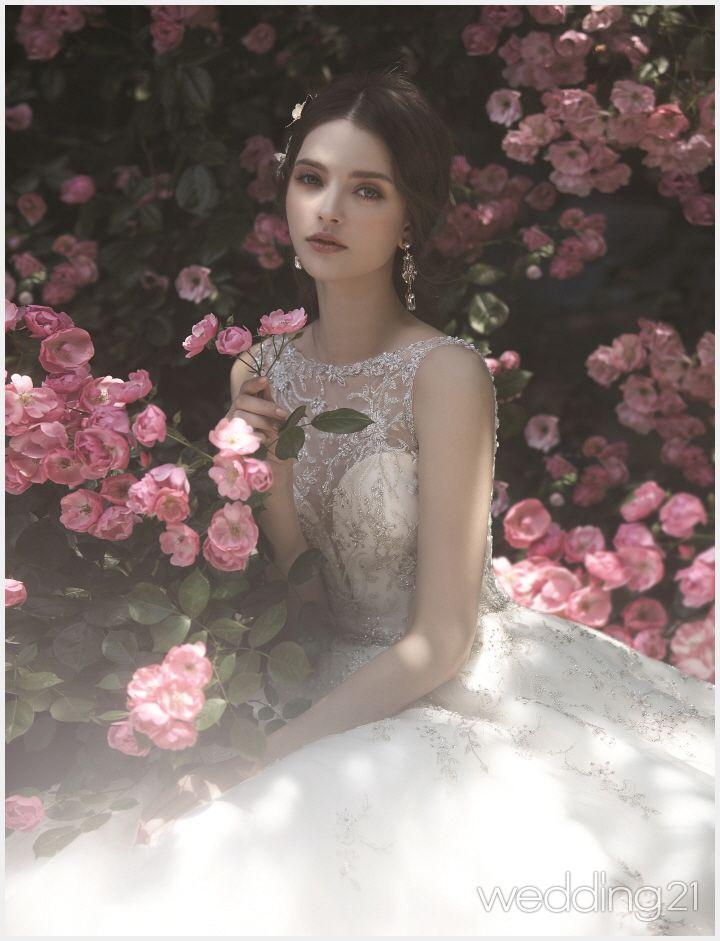 아름다운 보태니컬 정원에서의 로맨틱 웨딩 신,제이스포사 1