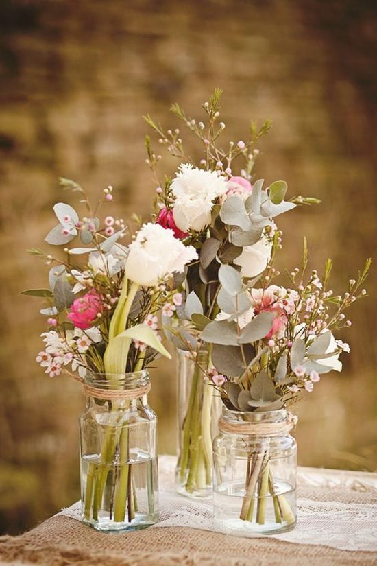 Rustic and Whimsical Wedding Centerpiece / http://www.himisspuff.com/rustic-wedding-centerpiece-ideas/11/