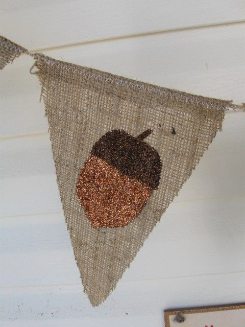 Thanksgiving Banner - not crazy about the bedazzled acorn but i love me some burlap!