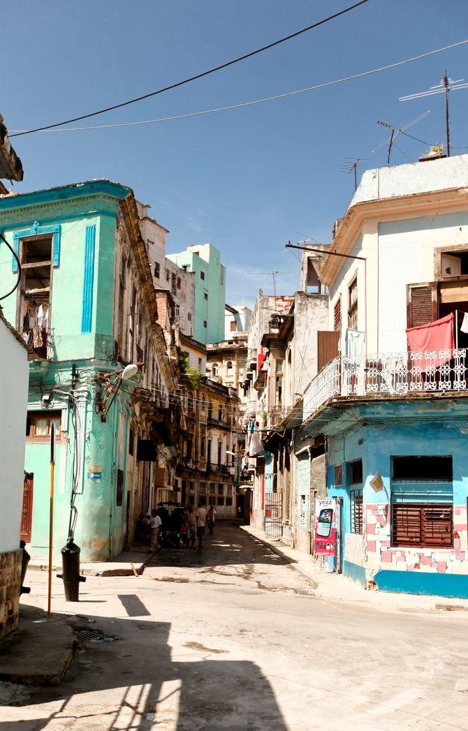 The Cherry Blossom Girl - La Havana Azul 16
