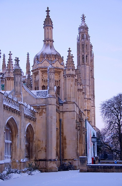 Kings Gatehouse In The Snow, Cambridge, England, UK