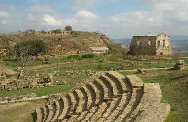 Sicily Stone Theaters   Book our exclusive package on the occasion of the performances in Selinunte archaeological park!  #sicily #ecotour #ecotourism #event #theaters #selinunte