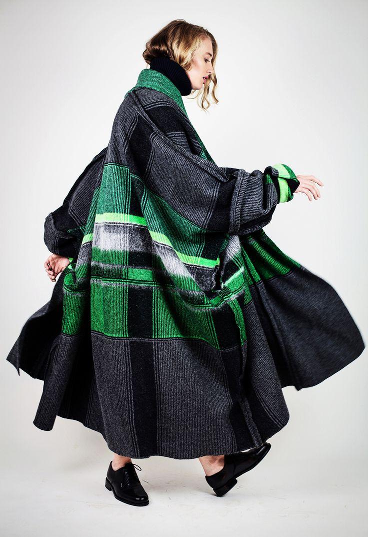 Lucinda Popp:: Women's Knitwear Design. Royal College of Art MA Collection 'The Urban Rambler'