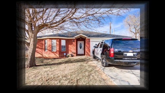 3906 Utica Features 3 Bedrooms 2 Baths And A 2 Car Garage It Is Approximate 1 510 Square Feet The Backyard Is A Great Size Thi House Styles Backyard Utica