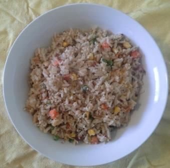 Today's lunch - Asian Crab Rice 250g cooked rice, 1/2 cup frozen mixed vegetables (peas, corn, carrots), 1 tbsp YIAH Asian Inspired Olive Oil, 2 tbsp YIAH Asian Stirfry, 170g shredded crab meat. Heat oil in pan, add all ingredients and stir until heated through.