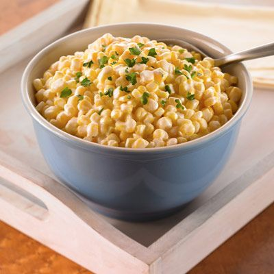 This sweet corn recipe with butter and cream cheese has a delicious sauce in this easy-to-do vegetable side dish.
