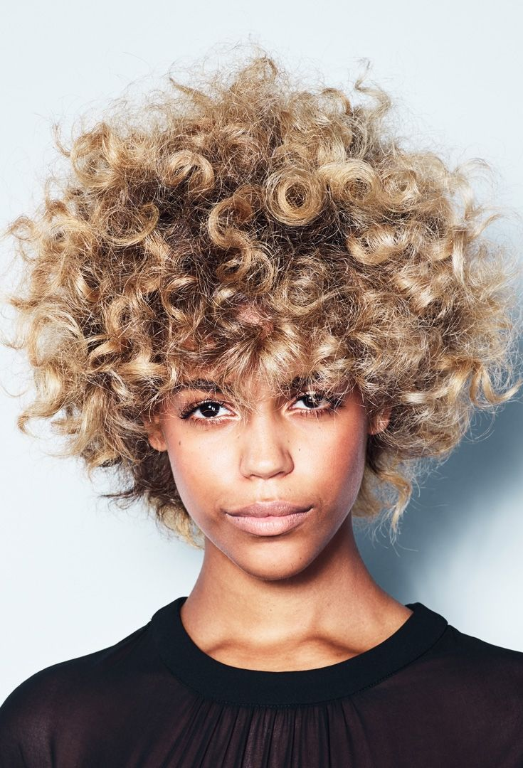 This is what we called Honey Marble. Illuminate dark curls with #BLONDME as seen on our lovely model @lisawash1!