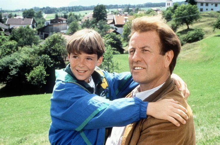 A hegyi doktor (Der Bergdoktor): 1992-1998 Német–osztrák tévéfilmsorozat 96 részes