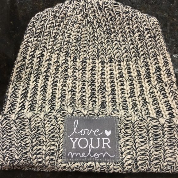 Love your melon hat Navy speckled love your melon cuffed beanie. Brand new (ordered wrong color and non-returnable). Love Your Melon Other