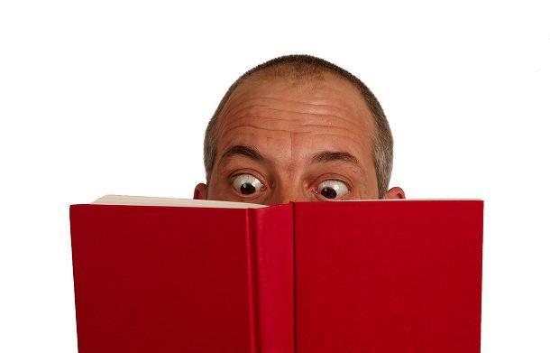 Me gusta mucho leer, solo que no muchos tipos de libros llaman mi atención.