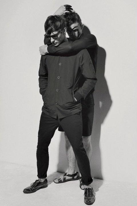 SIC SEMPER TYRANNIS SUMMER by Wojtek Haratyk [Fot.: Piotr Domagała; Stylist:Szymon Duży; Make up: Aneta Kostrzewa; Models: Borys Starosz, Przemek Reszka]