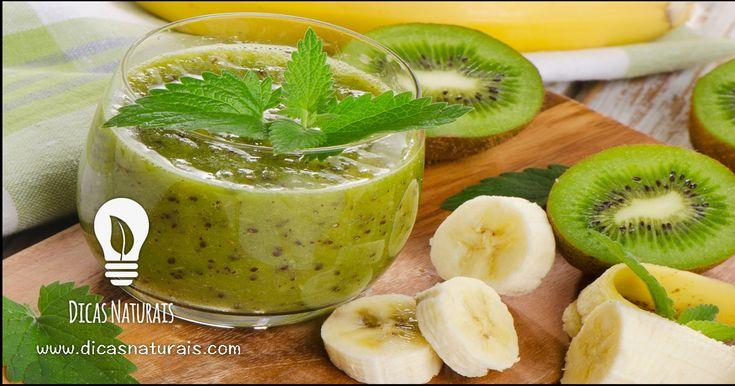 Smoothie de kiwi, banana e sésamo - Disfrute de todos os benefícios das nossas receitas de sumos, naturais, smoothies e águas detox em: www.dicasnaturais.com