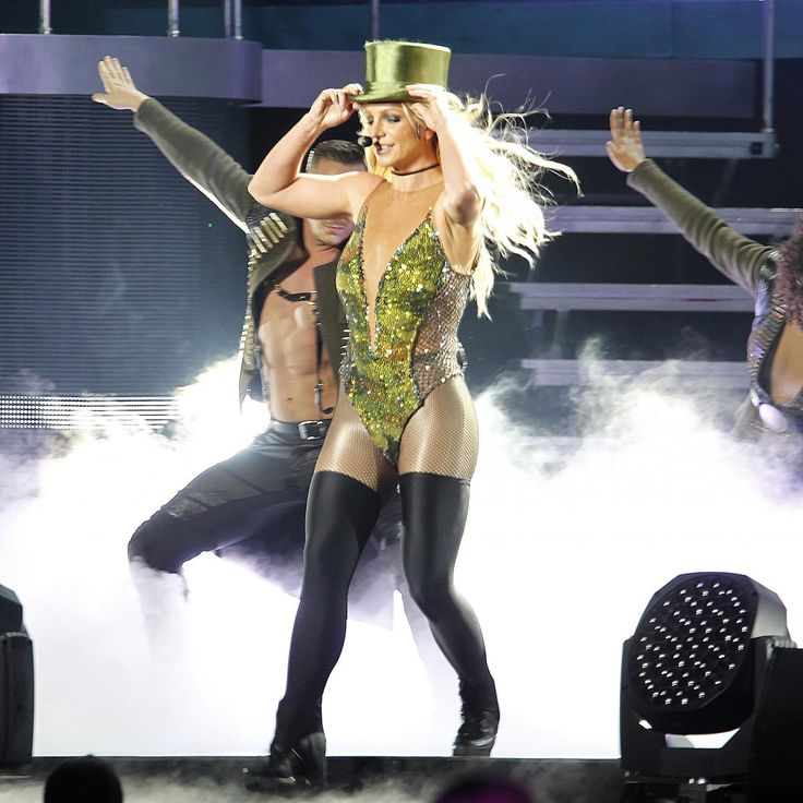 Britney Spears has reportedly made it known to the  NFL  she would like to perform at the Super Bowl LII halftime show...