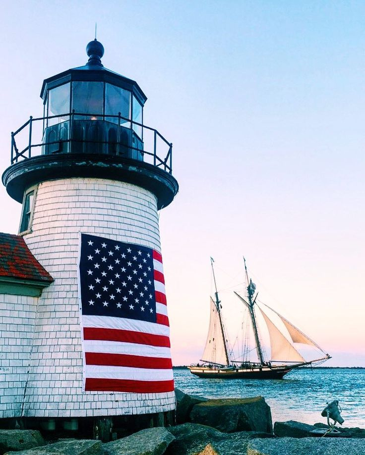 "2,209 mentions J'aime, 16 commentaires - Nantucket blACKbook (@nantucketblackbook) sur Instagram : ""Holy Ship, This Place Is So Beautiful Right Now ⛵️⚓️ gearing up to celebrate the 4th on the 3rd…"""