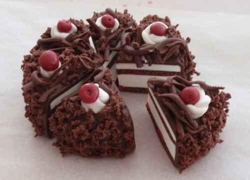 Modellieranleitung Miniatur Schwarzwälder Kirsch Torte