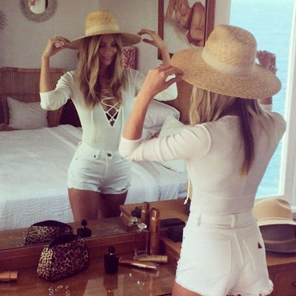 See Jennifer Hawkins' Best Weekend Looks to Inspire Your Holiday Wardrobe via @WhoWhatWearAU
