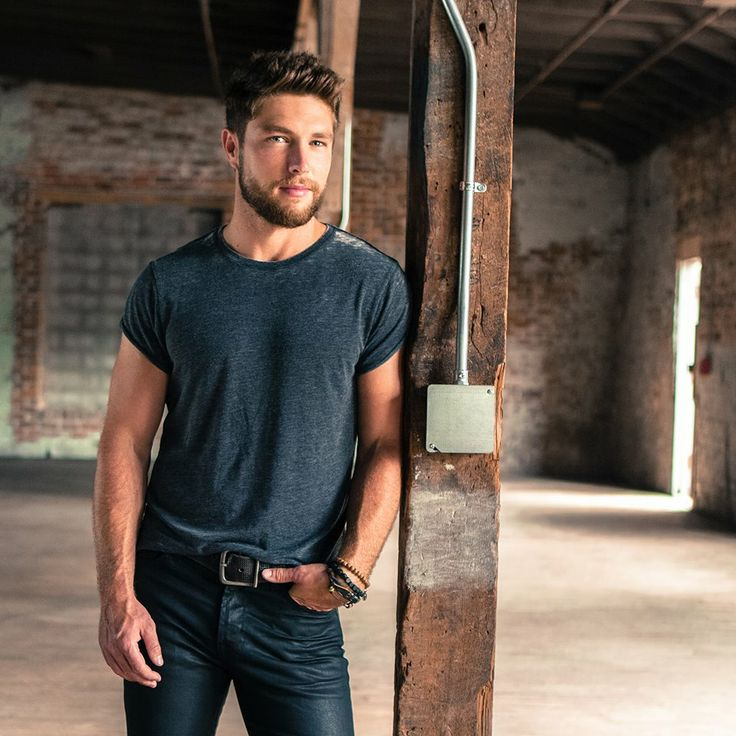 So Talented And So Good Looking Chris Lane Good Ol