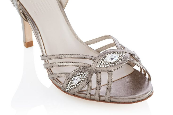 #Jakii Vienna [Bronze strappy sandal with swarovski crystals]