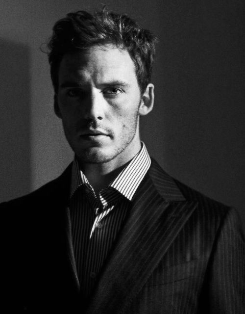 Sam Claflin fotografiada por David Titlow para Esquire UK