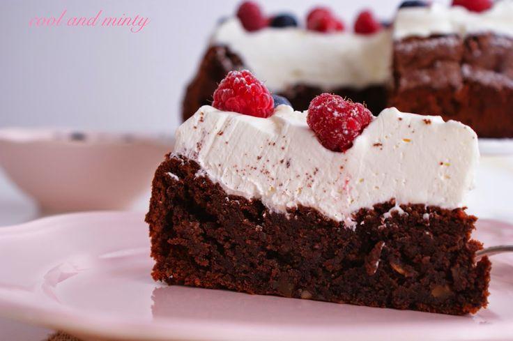 Nutella cake with light macarpone cream and raspberries