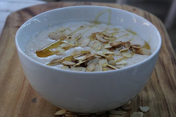 Porridge with Toasted Flaked Almonds and Honey