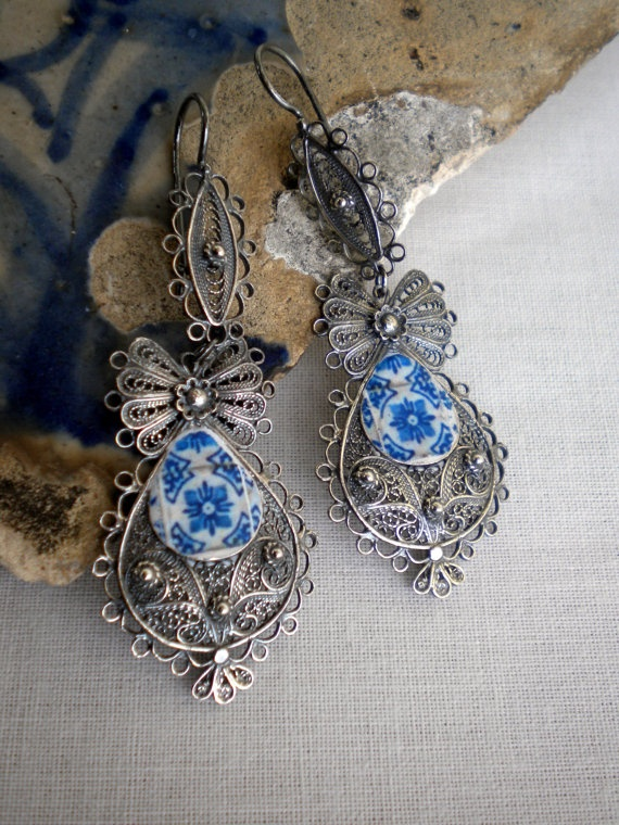Portugal SILVER FILIGREE QUEEN Earrings with Antique Blue by Atrio,
