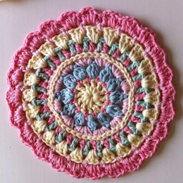 Crochet Patterns For Mandala Yarn : 64 best images about Crochet: Mandalas & Rainbows on ...