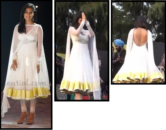 Chitrangada's dress at the World Kabbadi Finals, Leisure Valley, Chandigarh while promoting Desi Boyz