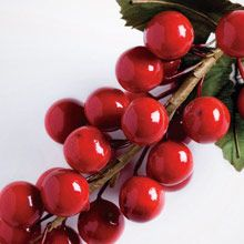 New candle fragrance! Crimson Berry - the sparkling scent of red berries mingled with spices and caramel.