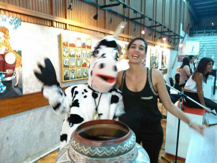 La Vaca de la ruta de la leche en La Casa de Santa Fe en La Noche de las Provincias, Más info sobre viajes en www.facebook.com/viajaportupais #lanochedelasprovincias #santafe #litoral #turismo #viajes #argentina #viajaportupais