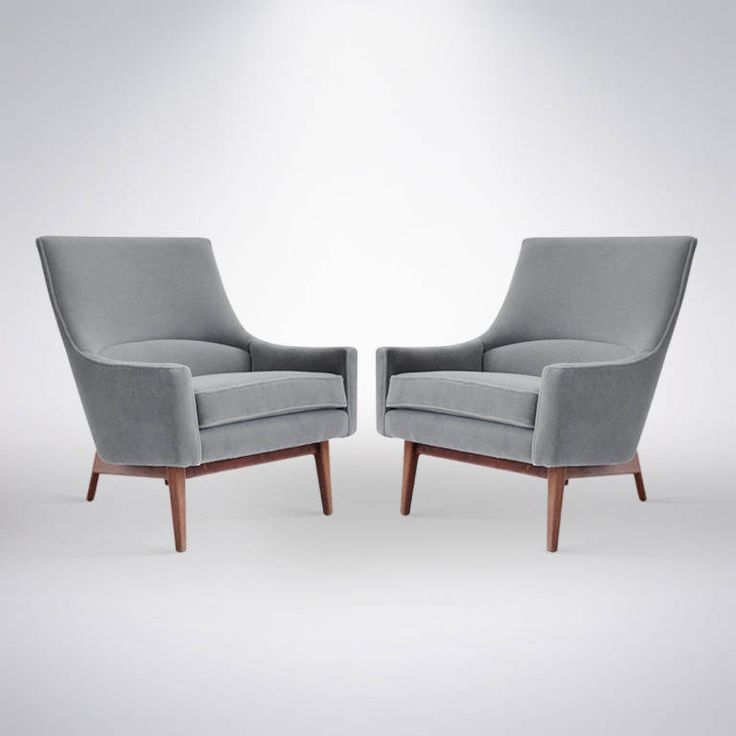 pair of lounge chairs by jens risom model
