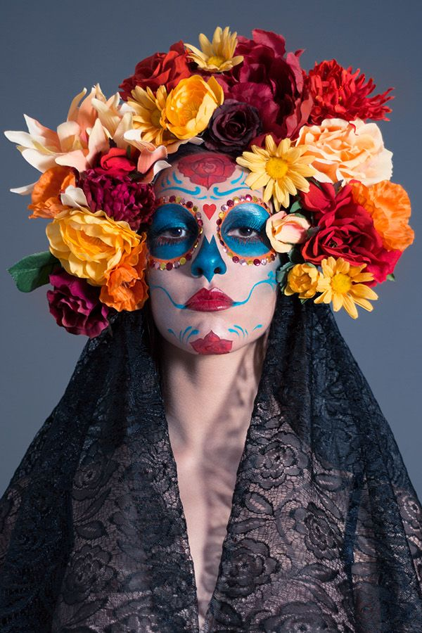 La catrina - Photography on Behance Halloween Eye Makeup, Halloween 2019, Halloween Make Up, Halloween Costumes, Sugar Skull Makeup, Sugar Skull Costume, Sugar Skulls, Day Of Dead Makeup, Catrina Costume