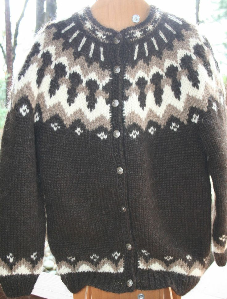 ICELANDIC WOOL HAND KNIT 8 Button women L XL CARDIGAN SWEATER Made in Iceland