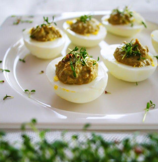 Jajka faszerowane pastą szczawiową